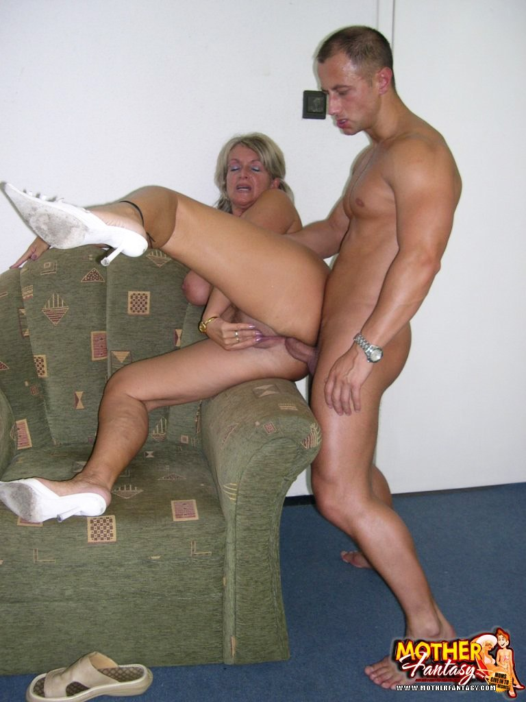 free pictures of daughter riding dad s dixk